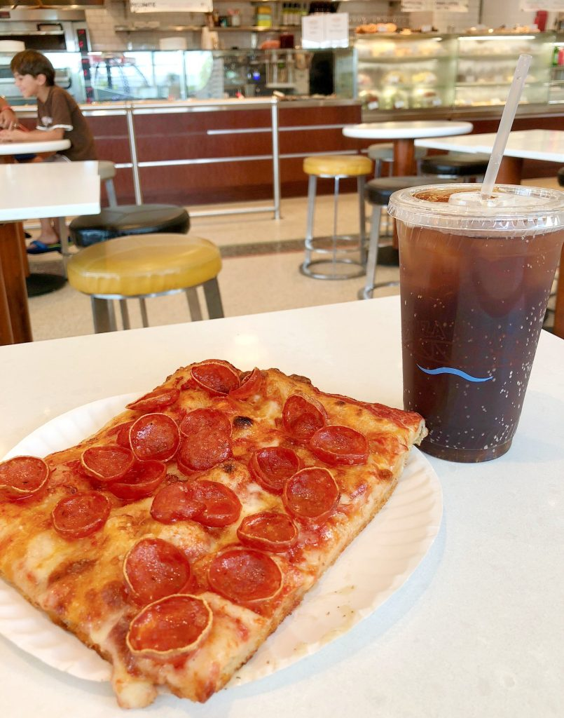 The BEST pizza in Disney Springs in Disney World